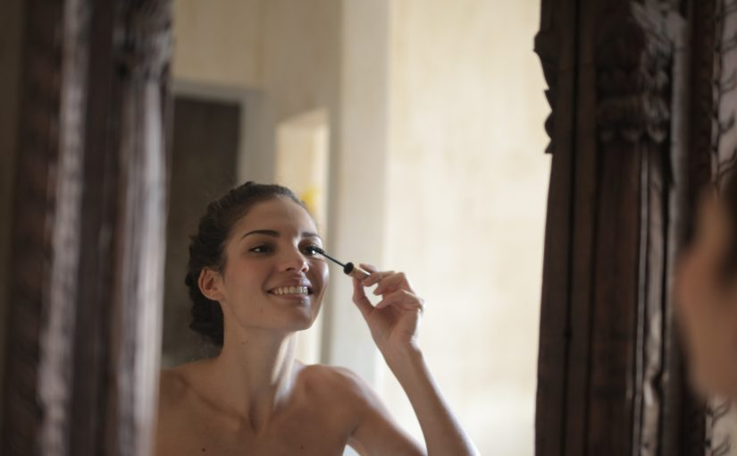 Expert Tips on How to Maintain your Beauty Routine From Home