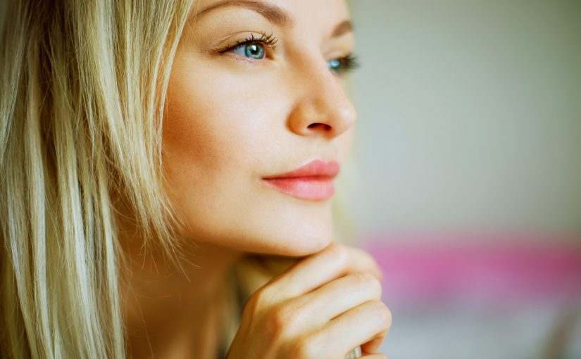5 Ways Laser Treatments Reduce Acne Scarring